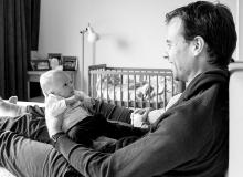lifestyle newborn fotograaf delft baby met papa