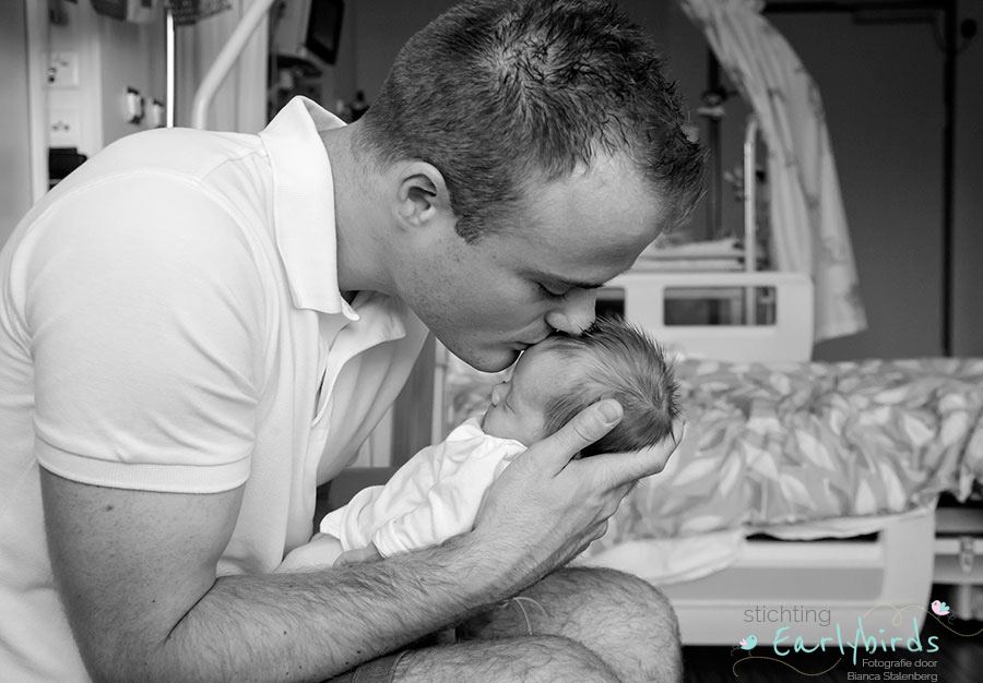 Stichting Earlybirds fotografie: newborn Isa in Gouda