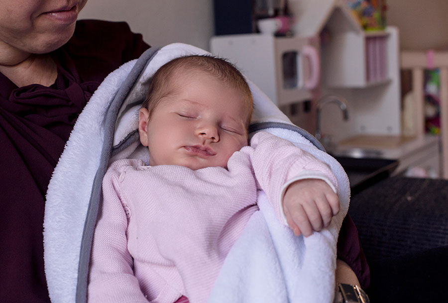 newborn fotograaf Delft baby en mama