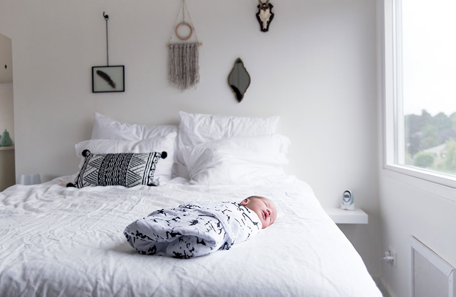 lifestyle newborn workshop baby vieve op bed