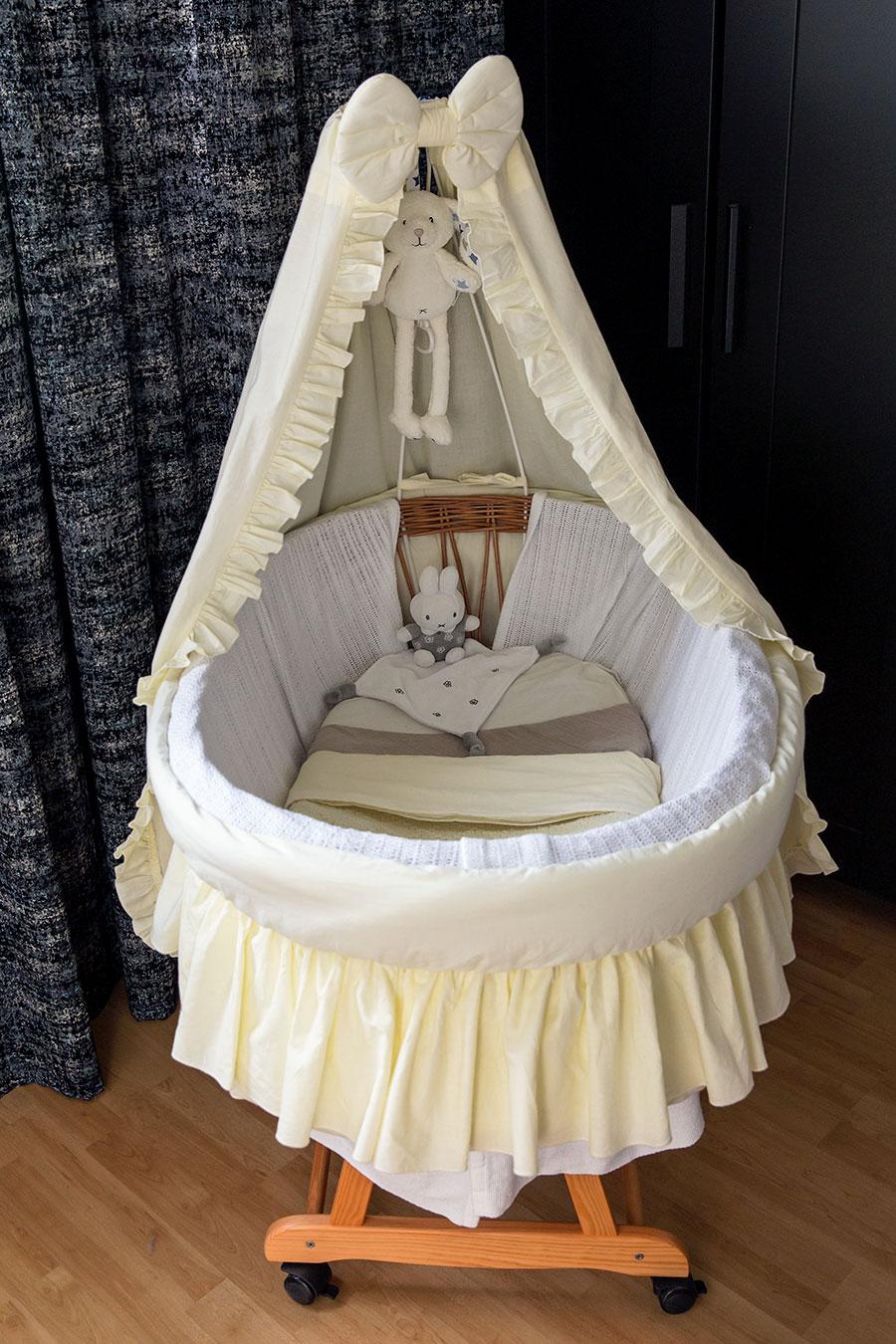 lifestyle newborn fotografie berkel baby wieg