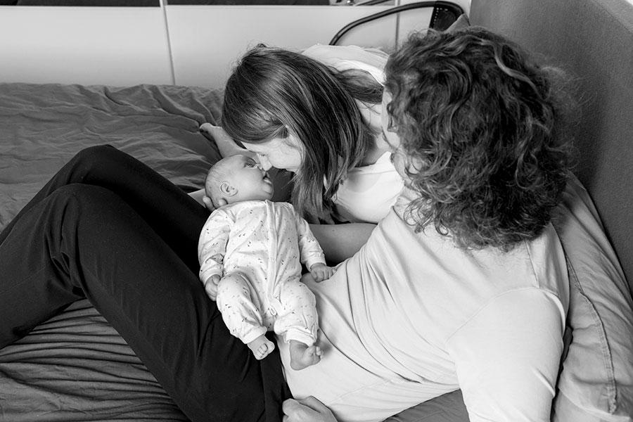 lifestyle newborn fotografie den hoorn kraamreportage