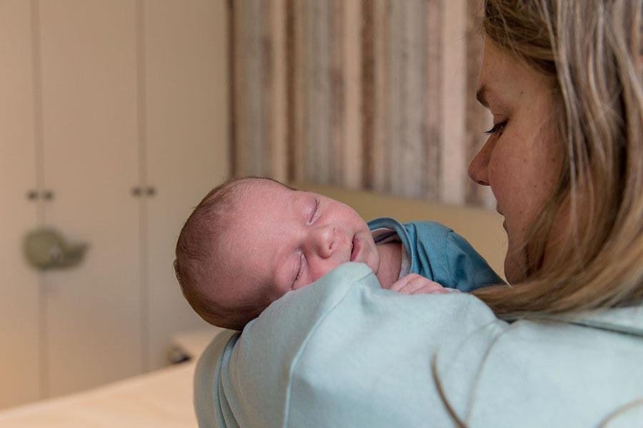 lifestyle newbornfotografie den haag baby