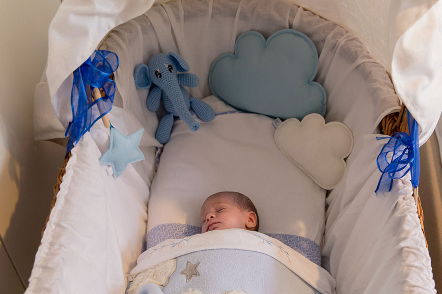 lifestyle newbornfotografie den haag wieg