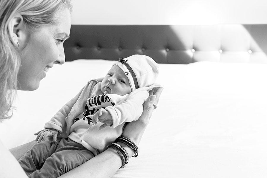 lifestyle newbornfotograaf pijnacker baby