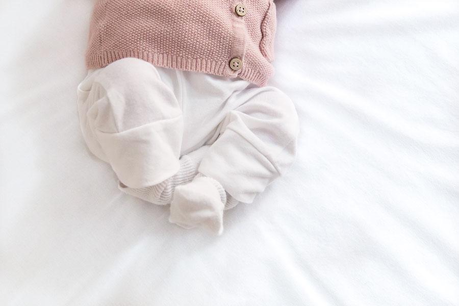 lifestyle newbornfotograaf amsterdam babyvoetjes