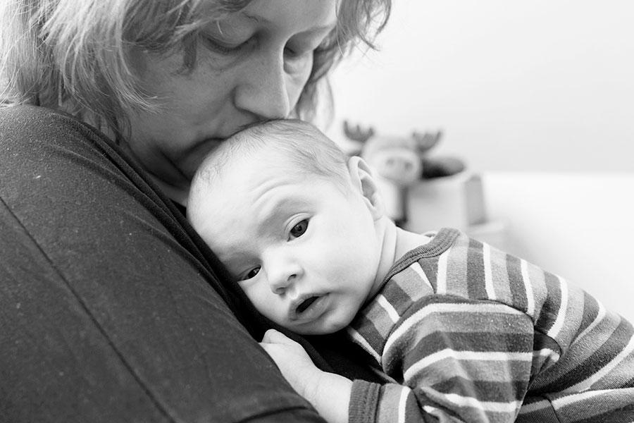 lifestyle newbornfotograaf Delft baby