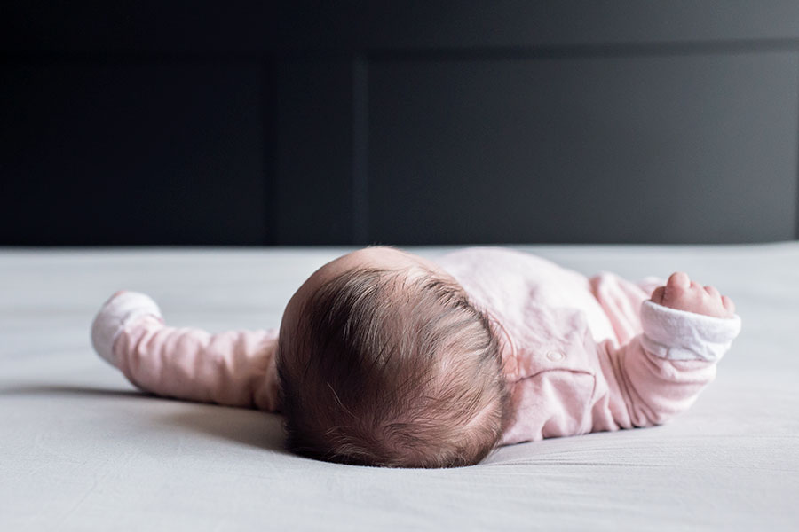 lifestyle newbornshoot baby