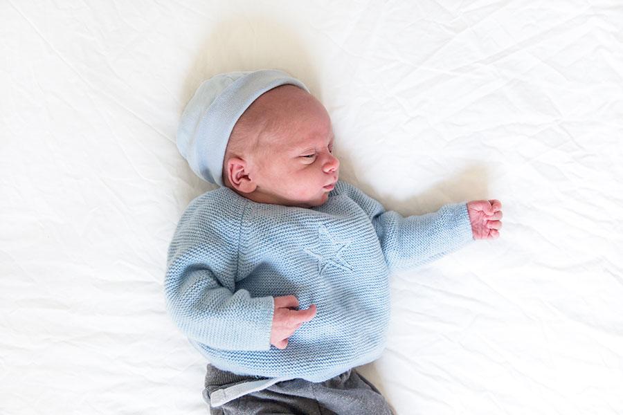 lifestyle newbornshoot baby