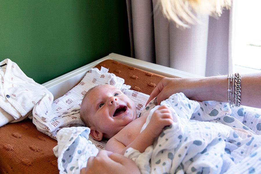 contact opnemen voor lifestyle newbornshoot